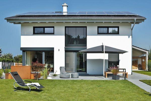 Plus-Energie-Häuser